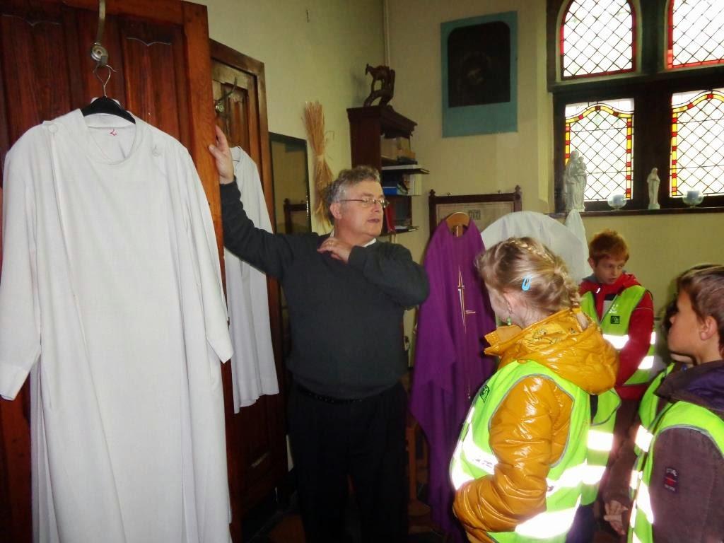 het 3de leerjaar op zoek gegaan is naar kerkschatten!